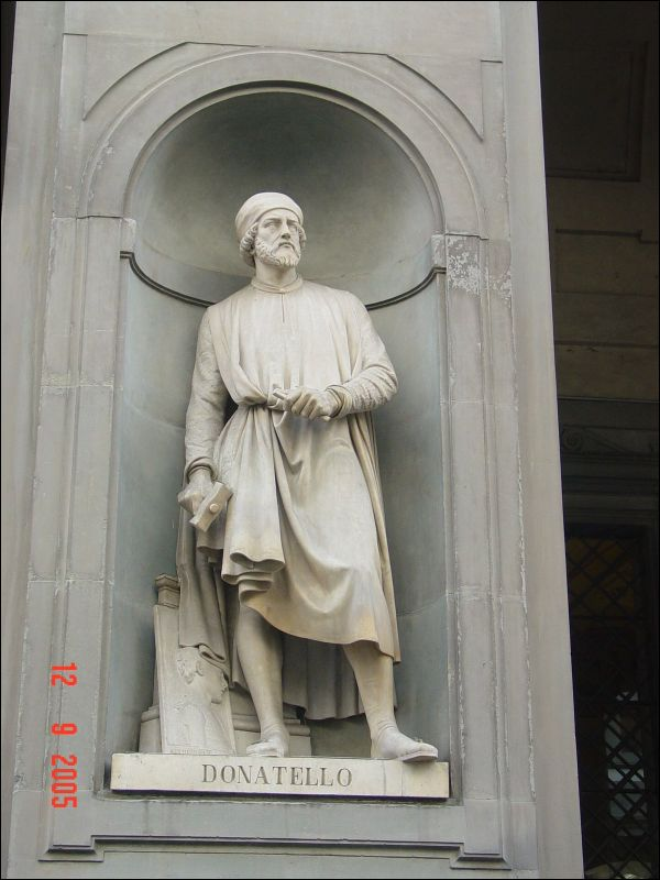the early life and famous statues of donato di niccol di betto bardi He was the son of nicolo di betto bardi, and was early apprenticed to a  and the famous david  the last known statue of donatello is st louis of.